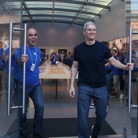 APPLE RETURNS: Computer Giant to Bring $200 BILLION Back to USA