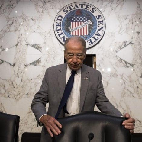 GRASSLEY UNCHAINED: Sen. Grassley ACCUSES FBI of 'HIDING' Trump Dossier Intel
