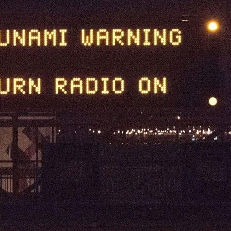 EAST COAST PANIC: False TSUNAMI Warning ISSUED for Eastern Seaboard of US
