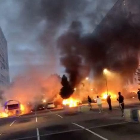 SWEDEN BURNING: Gangs Set Fire to 80 CARS, Attack Police During Night of Terror