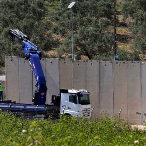 ISRAEL UNLEASHED: Israel Erects MASSIVE WALL Along Northern Border to Combat Terror