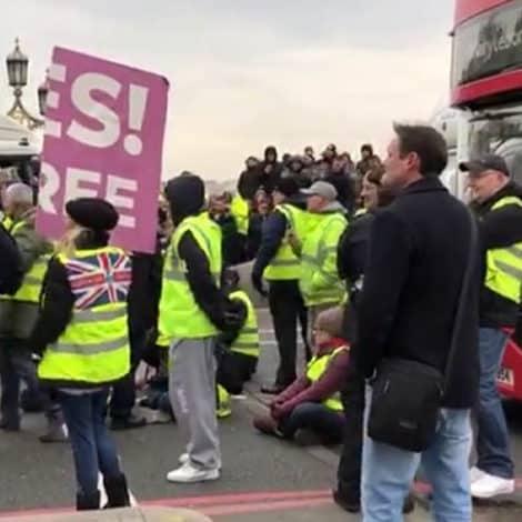 DEVELOPING: 'Yellow Vest' Movement Hits UK, Brexit Activists 'SHUT DOWN' Tower Bridge