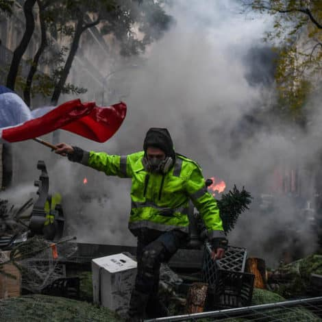 PARIS UPDATE: France to Deploy 65,000 'Security Forces' for Weekend Protests