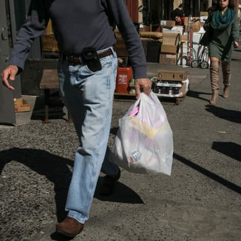 GOING GREEN: NY Gov. Cuomo Seeks to 'Ban Plastic Bags' from Stores, Shops Across the State