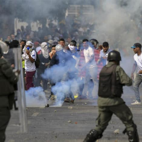 TOTAL CHAOS: Venezuela's Maduro SEVERS All Ties with USA as Residents Protest