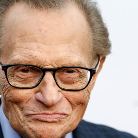 BREAKING NEWS: Iconic Broadcaster Larry King Suffers Heart Attack at the Age of 85