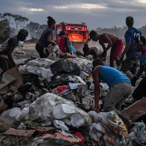 PARADISE LOST: Starving Venezuelans Compete with Vultures, Animals for Brazil's Excess Garbage