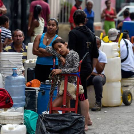 CRISIS DEEPENS: 'Millions' of Venezuelans Without Water, Food, Medicine