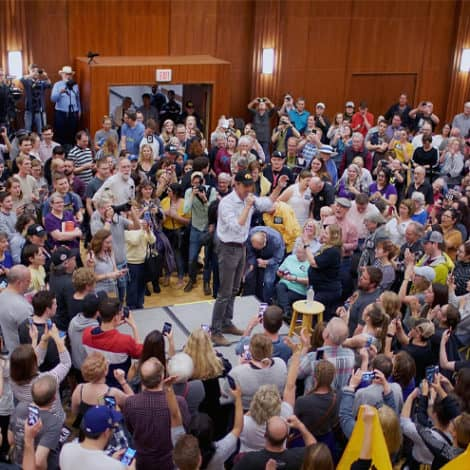 BETO-MANIA FADING? O'Rourke Enthusiasm Falls Short in Iowa Town Hall