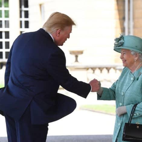 ROYAL WELCOME: President Trump Arrives at UK's Buckingham Palace, Meets Queen Elizabeth II