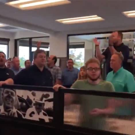 FEEL GOOD MOMENT: Nashville Vocal Ministry Gives Chick-Fil-A Diners a Surprise Serenade