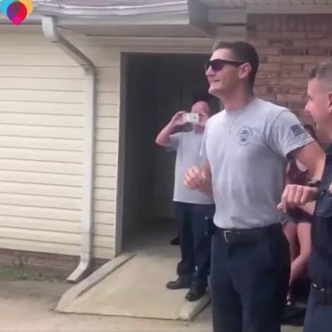 MUST SEE: Colorblind Firefighter Sees Colors of the US Flag for the FIRST TIME with New Glasses
