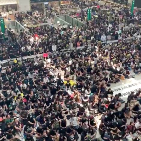 BREAKING: Hong Kong Airport Cancels ALL FLIGHTS as Pro-Democracy Protesters Storm the Terminal