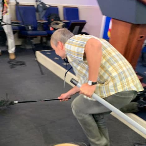 THE SWAMP! Mouse Falls from White House Ceiling onto NBC News Reporter in Press Room