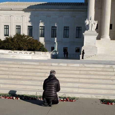 MARCH FOR LIFE: Pro-Life Activists Leave 3,000 Flowers on Steps of Supreme Court