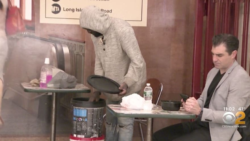 image for DE BLASIO'S NYC: Grand Central Terminal Businesses Say 'Homeless People ...