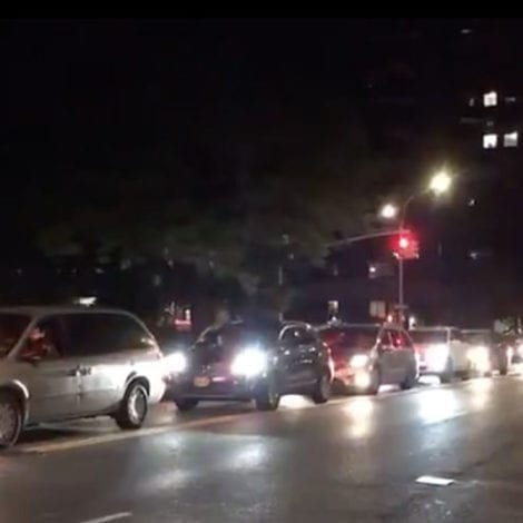 NYC SPIRALS: Angry New Yorkers Protest Outside De Blasio's Mansion, Honk Horns, Light Fireworks