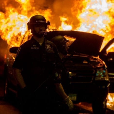 CAPITAL CHAOS: Shock Poll Shows 71% of DC Police Officers 'Considering Leaving the Force'