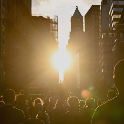 NIGHTMARE NEW YORK: Coronavirus, Looting, NYPD Budget Cuts Force 500,000 to Flee the Big Apple
