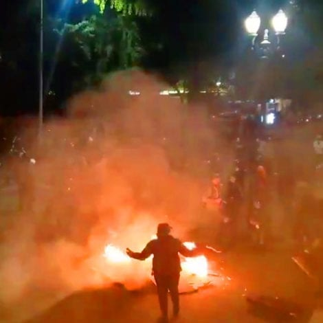 DAY 50: Rioters Take Control of Portland Streets Again, Threaten to 'Burn Down' Police Precincts